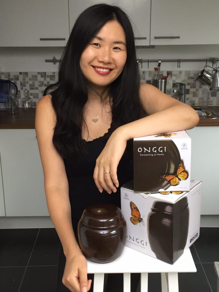 Yoonseon with onggi
