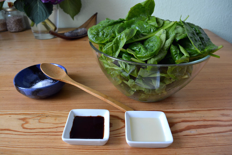 spinach and ingredients