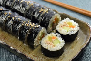 tuna kimbap closeup preview